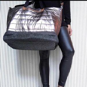 New! Stella & Dot Crush It Bag